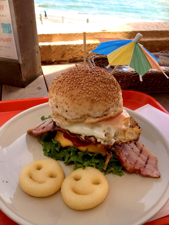 国産牛100%の手作りハンバーガー