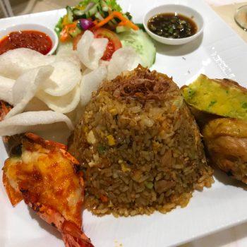 バリ島の6つ星ホテルムリアリゾートにあるアジア&地中海料理レストラン「ソレイユ」で絶品のナシゴレン